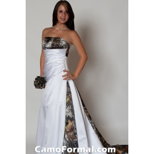 * 3137 &quot;Carrie&quot; Bridal Gown with Train