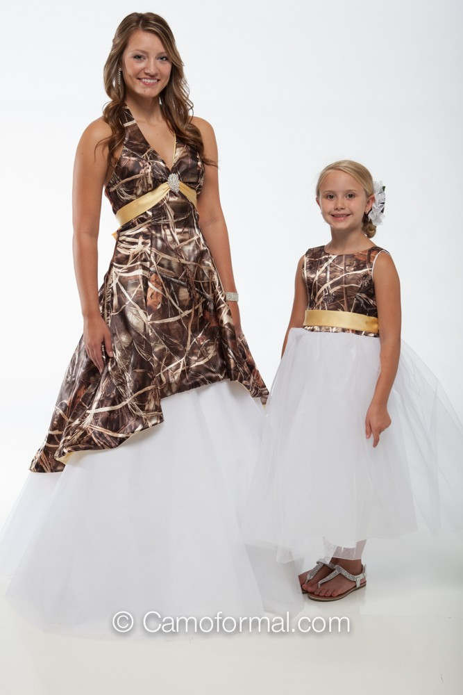 5fb213d60f52a Realtree MAX-4 and Canary - 3659M dress over Circle Net Skirt with 5602